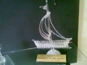 Miniatur kapal, Kerajinan Kaca datar, kerajinan kaca bekas, jual kerajinan kaca, kerajinan kaca, https://jualkerajinankaca.wordpress.com/